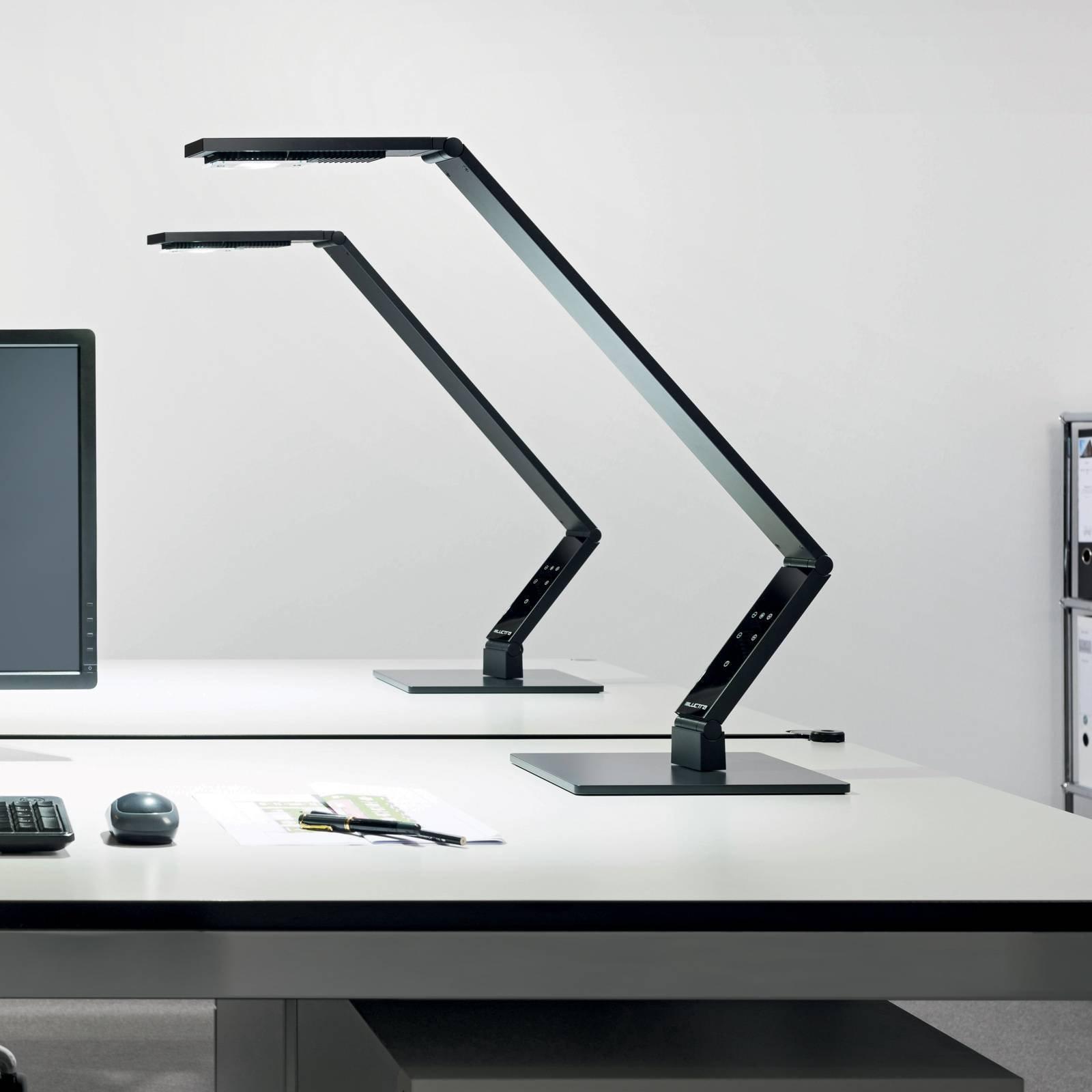 Luctra Tabel Linear LED-bordlampe fot, svart