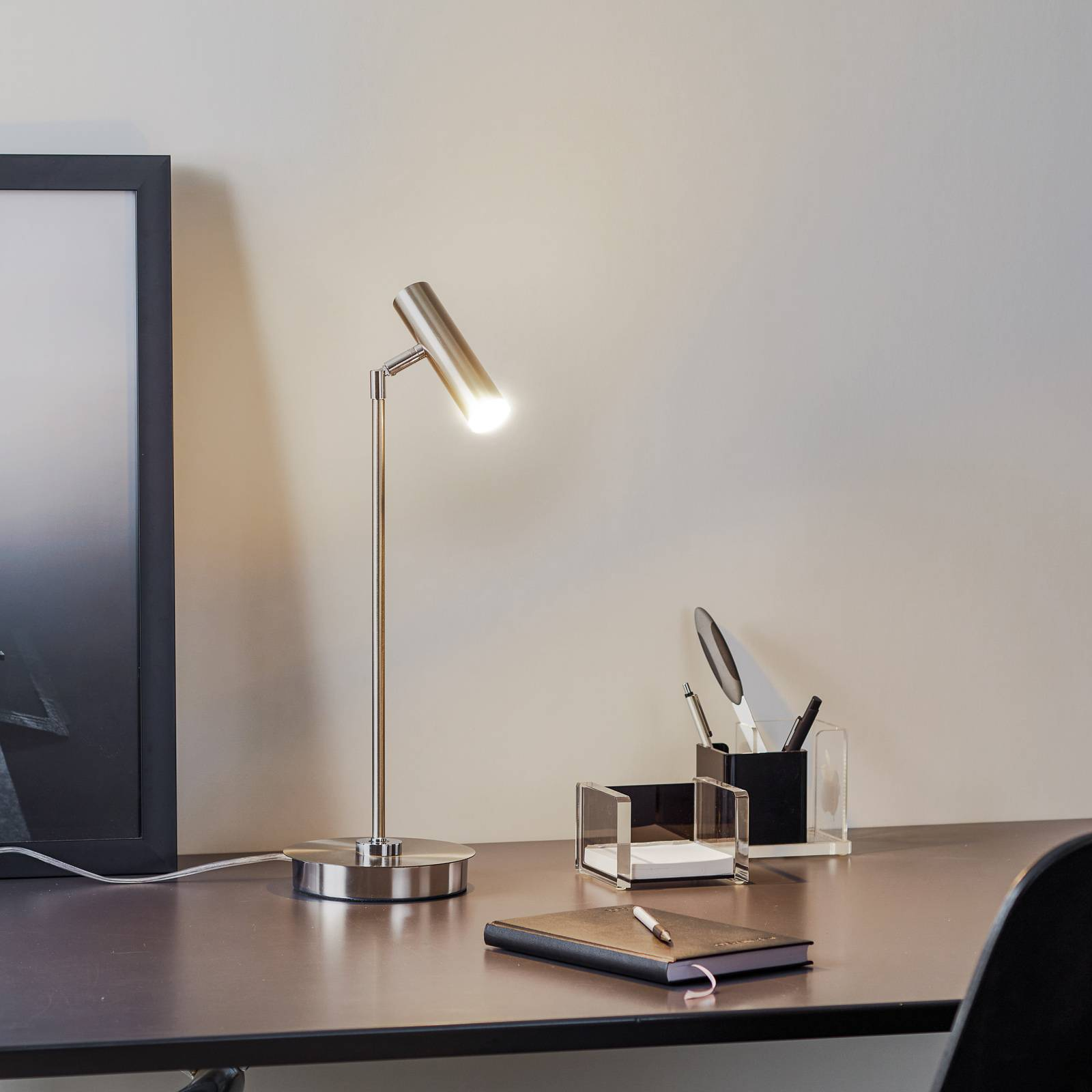 B-Leuchten Tom LED-pöytälamppu, matta nikkeli