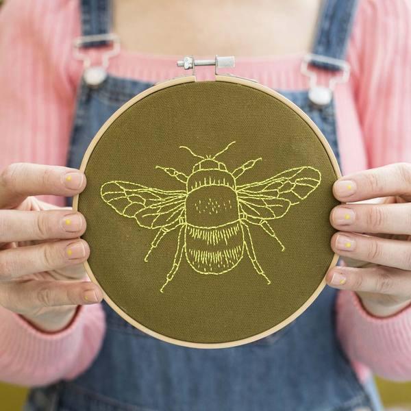 Bee Embroidery Hoop Kit