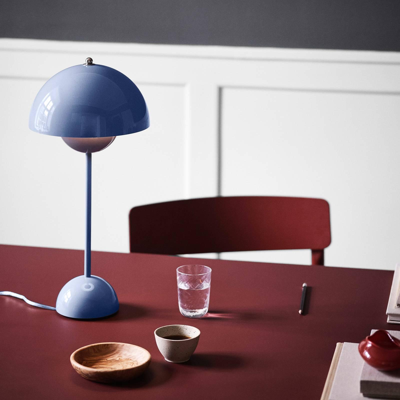 &Tradition Flowerpot VP3 -pöytälamppu, sininen