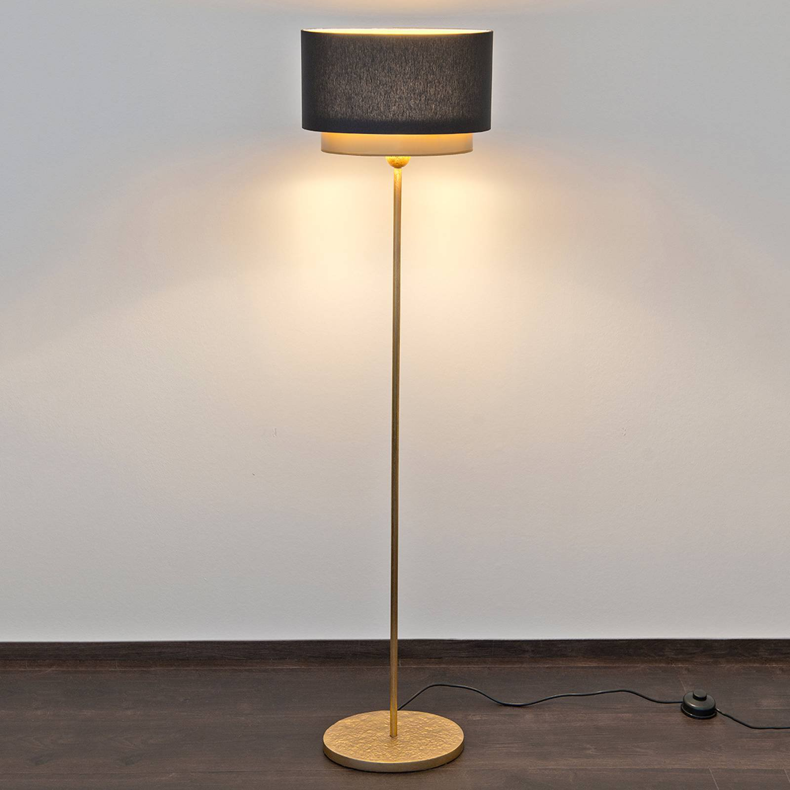 Mattia Oval - strålende gulvlampe