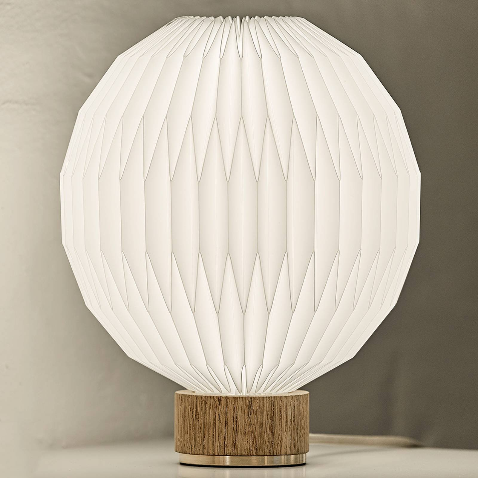 LE KLINT 375 bordlampe, plastskjerm 25 cm