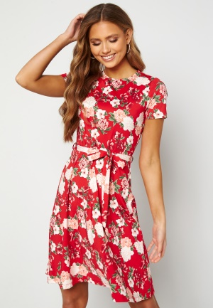 Happy Holly Tova ss dress Red / Patterned 44/46