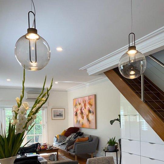 Modo Luce Orb LED-hengelampe, svart, Ø 25 cm