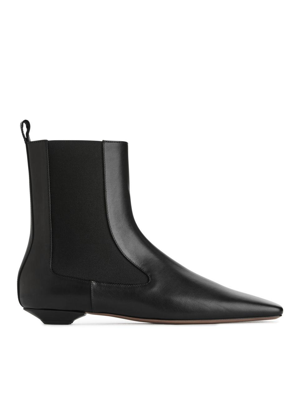 Square-Toe Chelsea Boots - Black