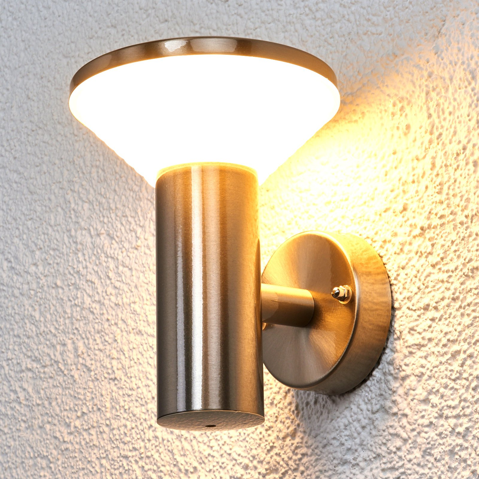 Edelstål-utevegglampe Tiga med LEDs