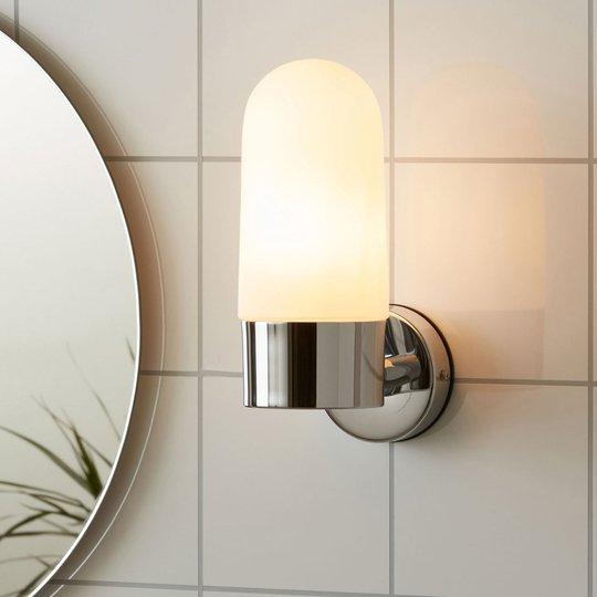 Vegglampe Zen, melkeglass, krom
