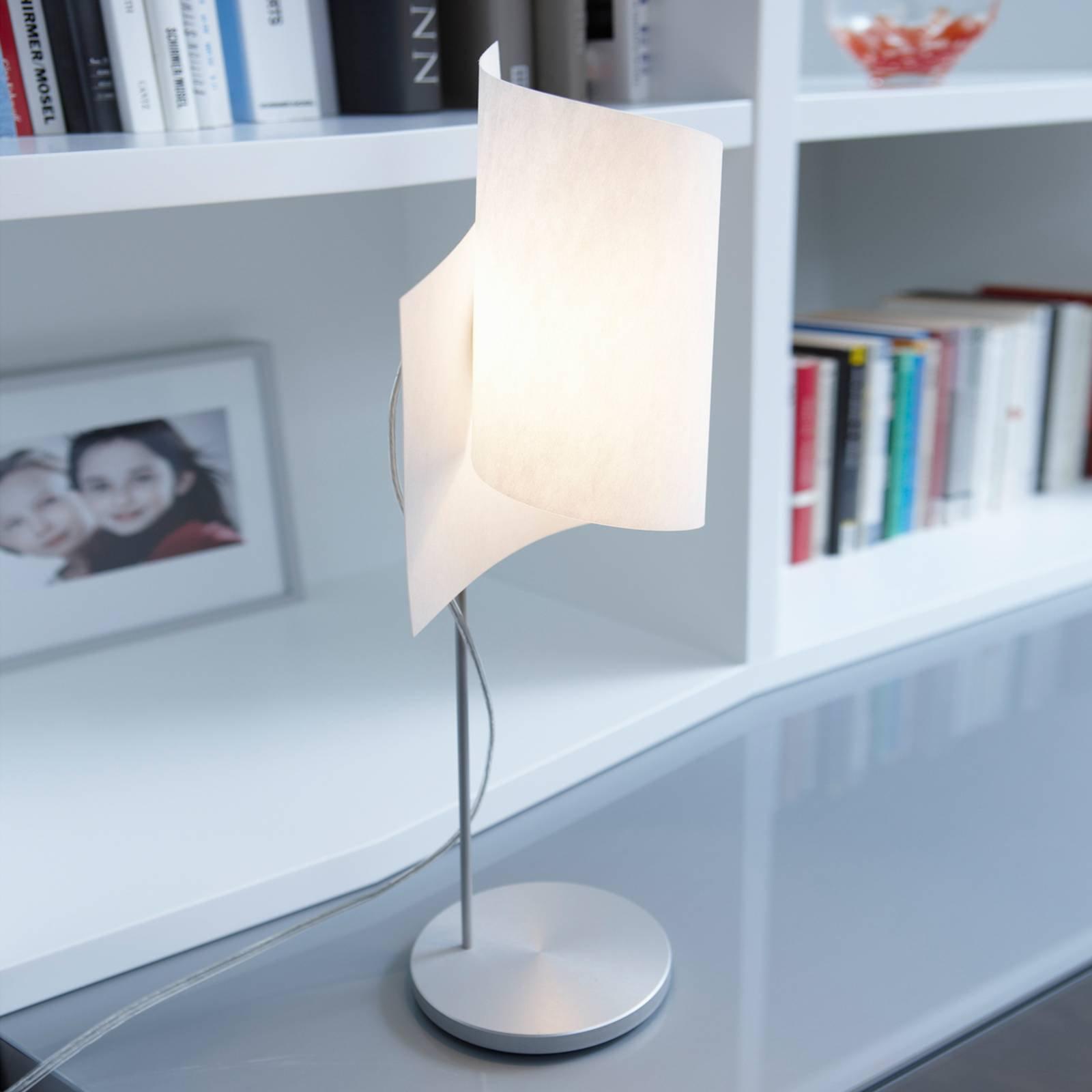 Interessant Loop bordlampe i aluminium