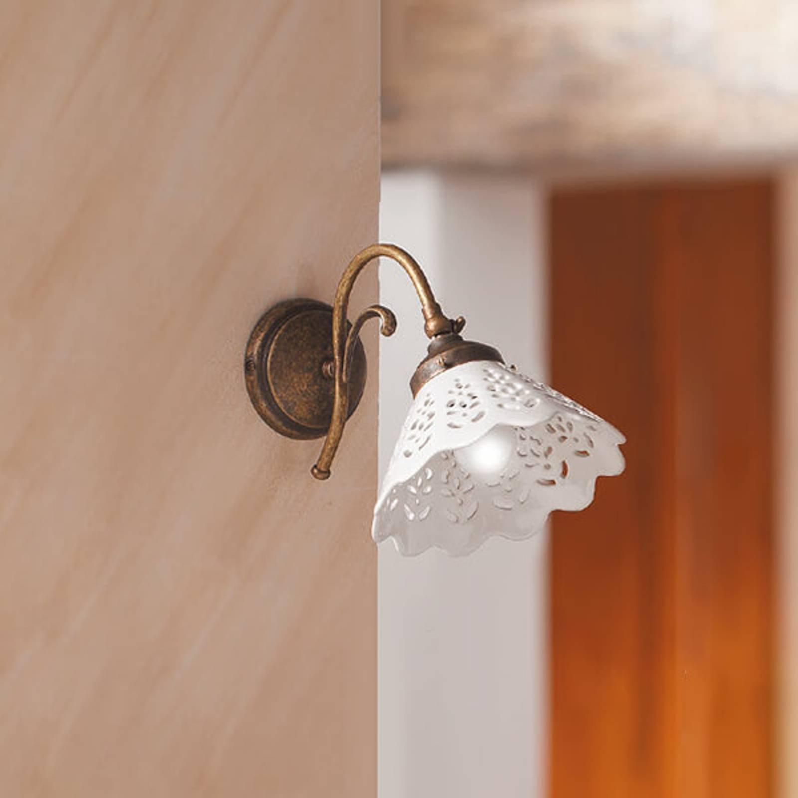 Vegglampe Semino med keramikkskjerm