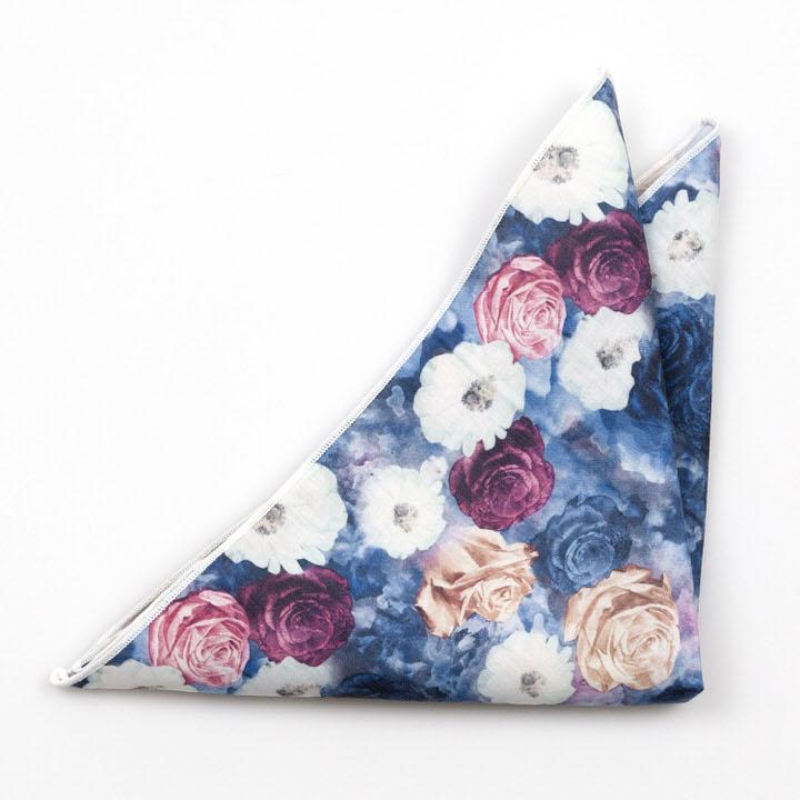 Bomull Lommetørkler, Flerfargede roser og blomster på blått