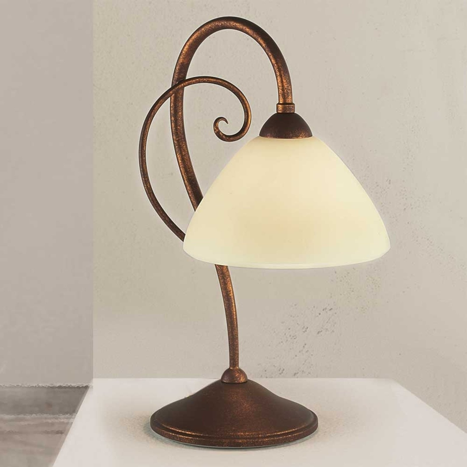 Flott bordlampe Federico