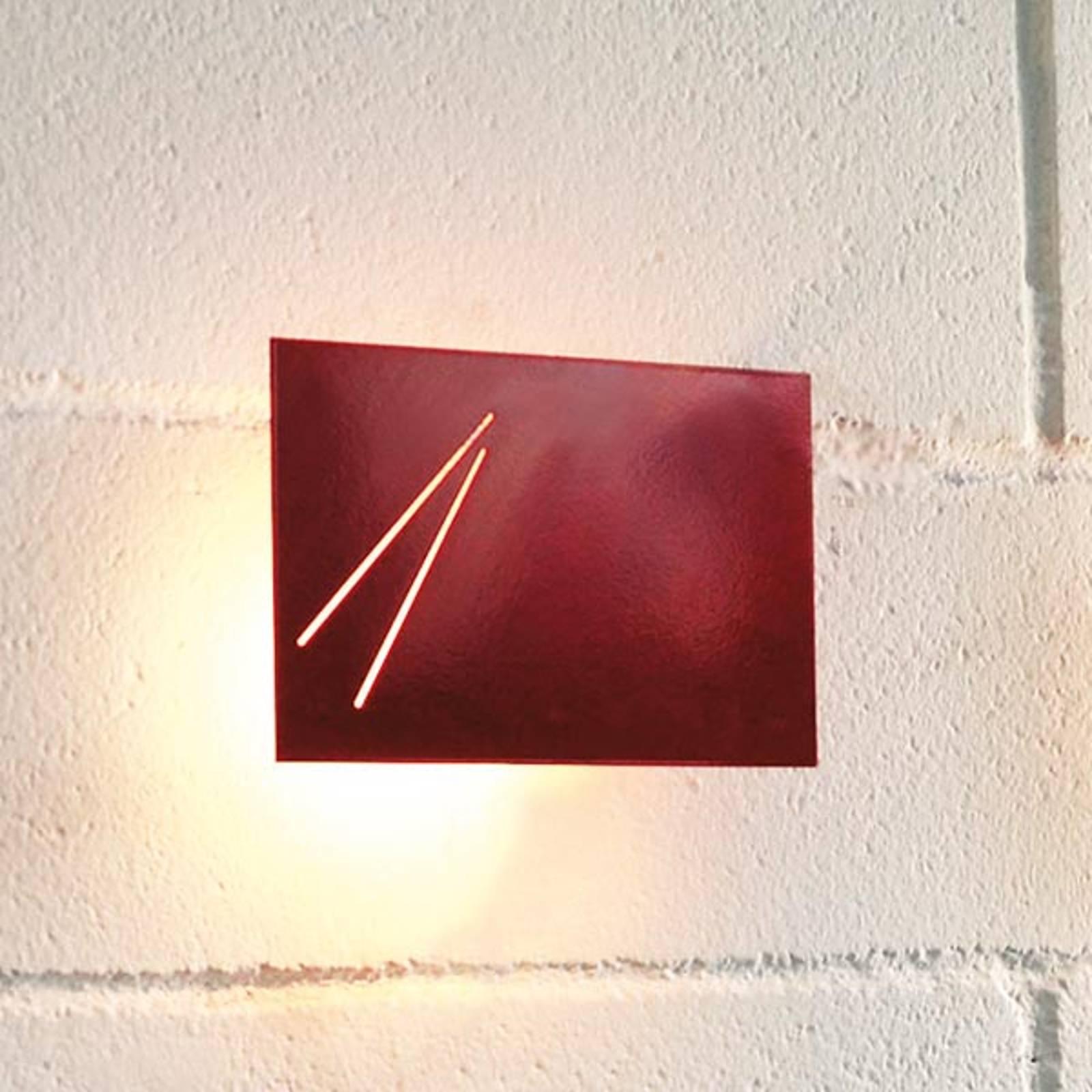 Des.agn – italialainen design-seinävalo, punainen