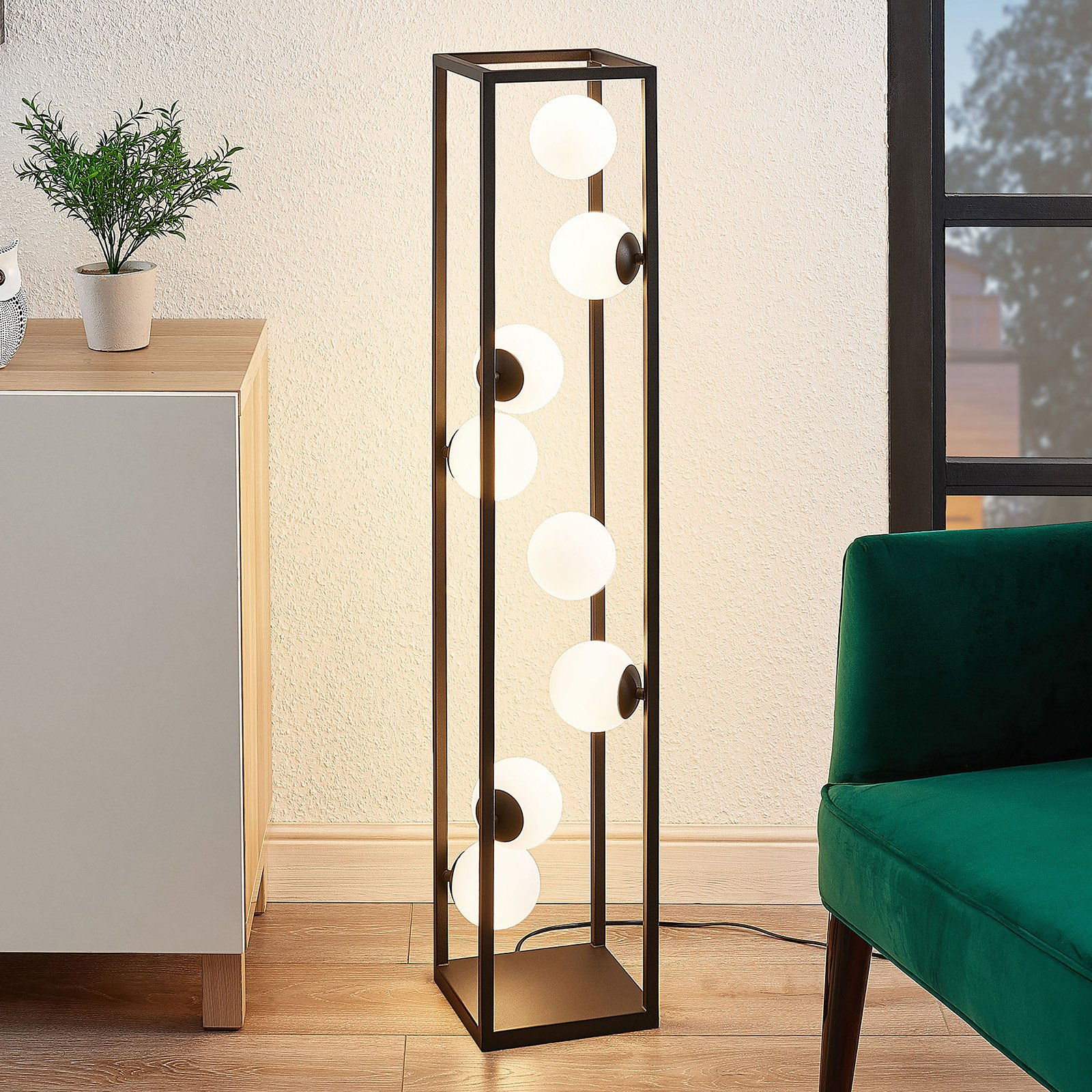 Lindby Utopia LED-gulvlampe med glasskuler