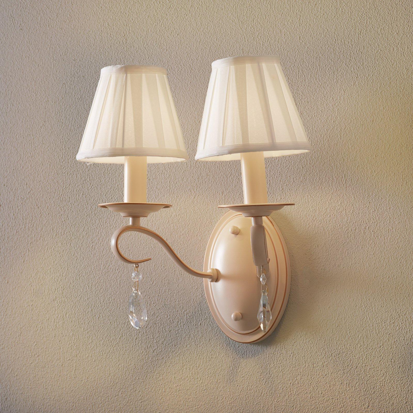 Vegglampe Brionia med sateng-skjermer