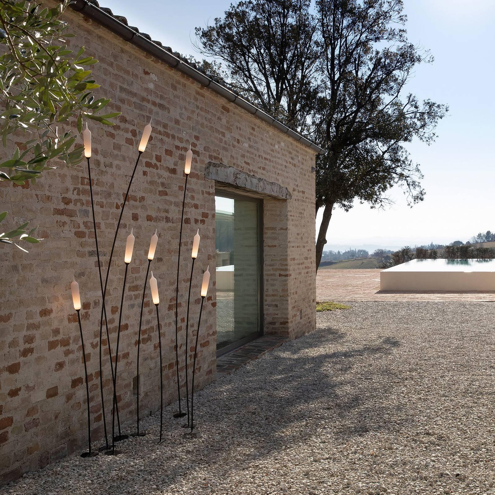 Karman Nilo -LED-maapiikkivalo, korkeus 220 cm