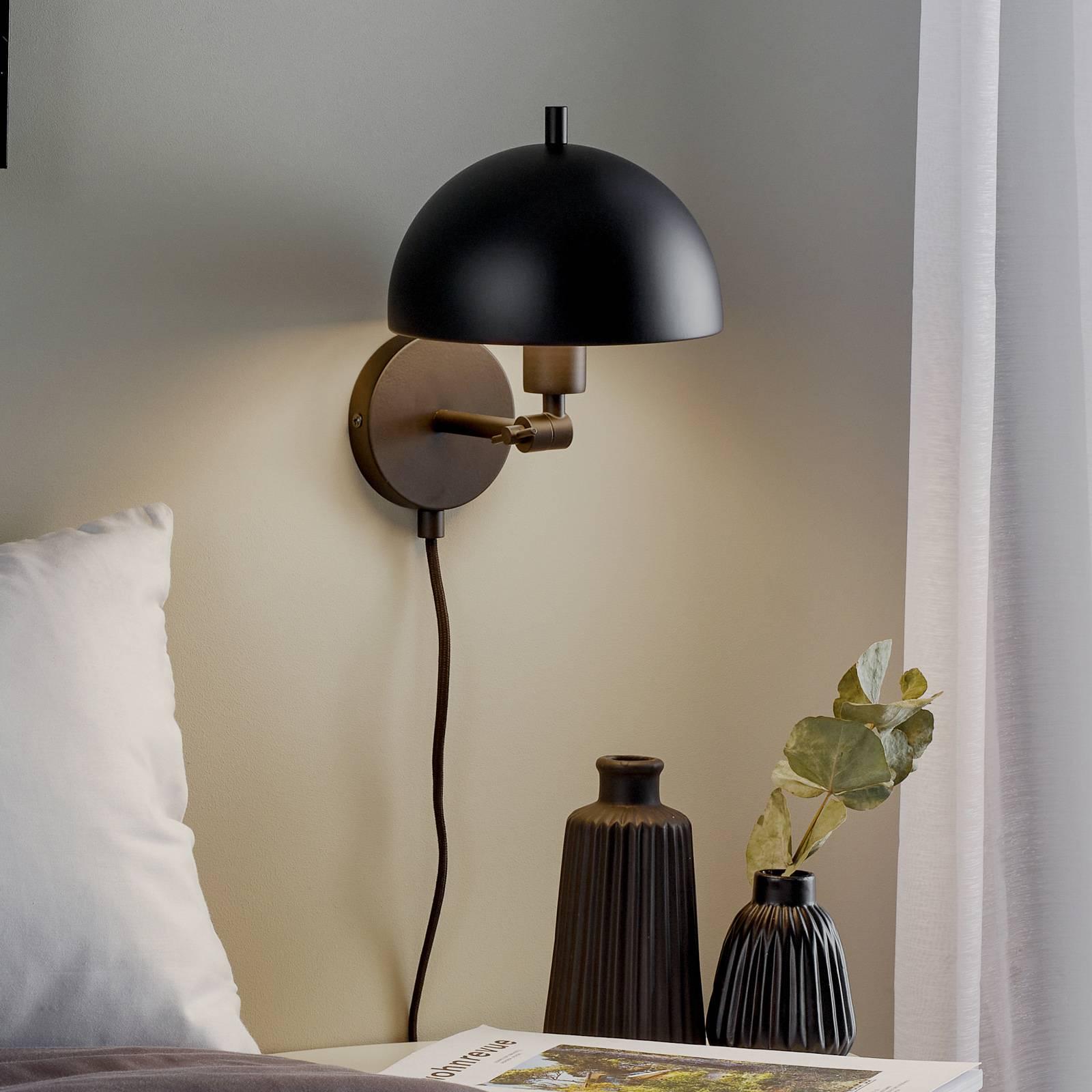 Schöner Wohnen Kia -seinälamppu musta, kääntyvä