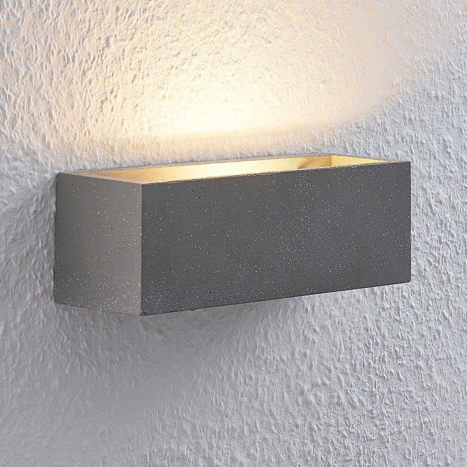 Lindby Selma LED-betong-vegglampe, kantet