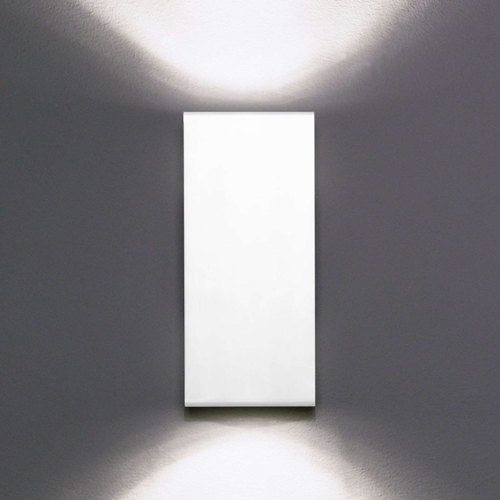 Milan Dau Double – seinävalaisin valkoinen