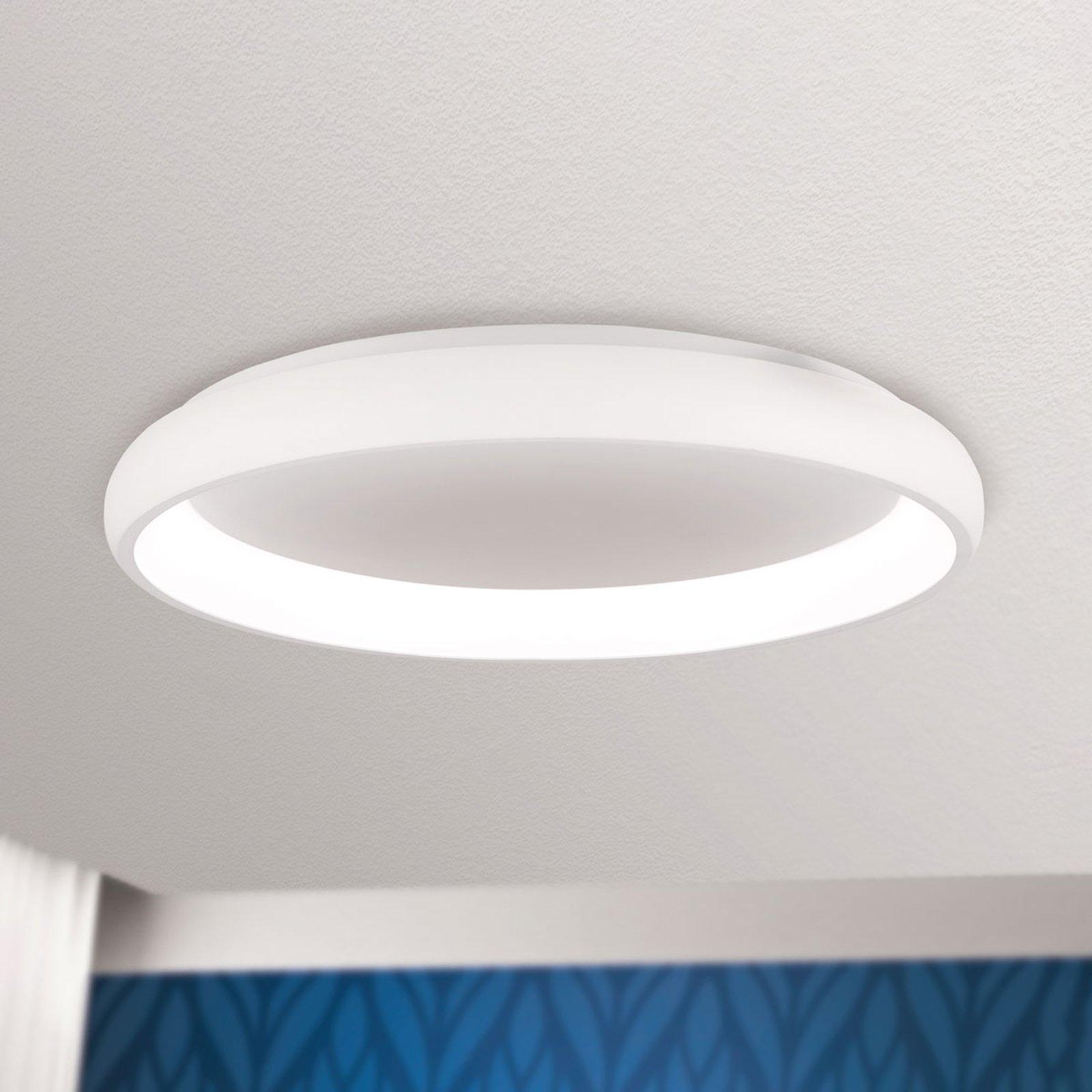 LED-taklampe Venur med lysstråling innenfor 61 cm