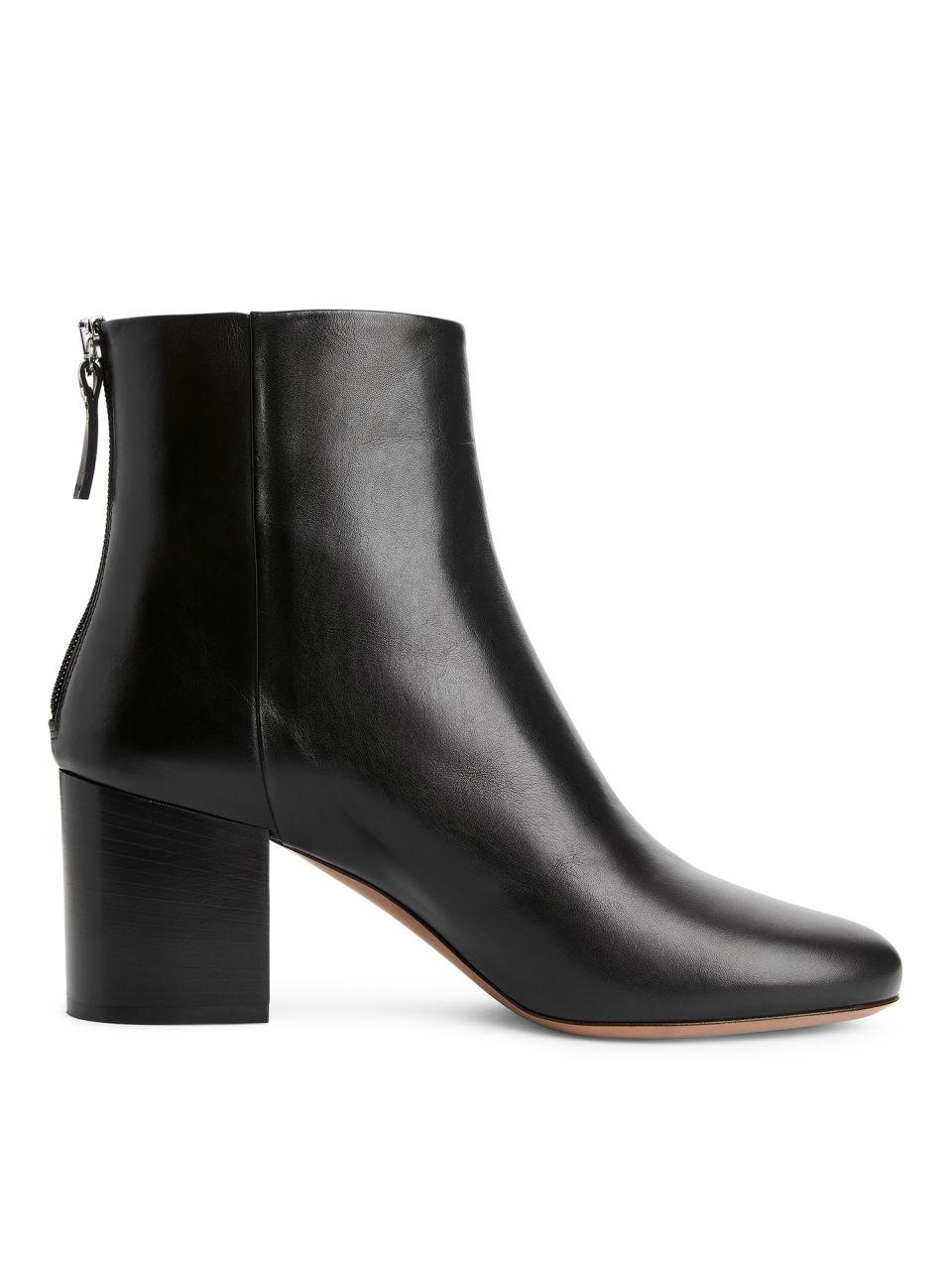 Mid-Heel Leather Boots - Black