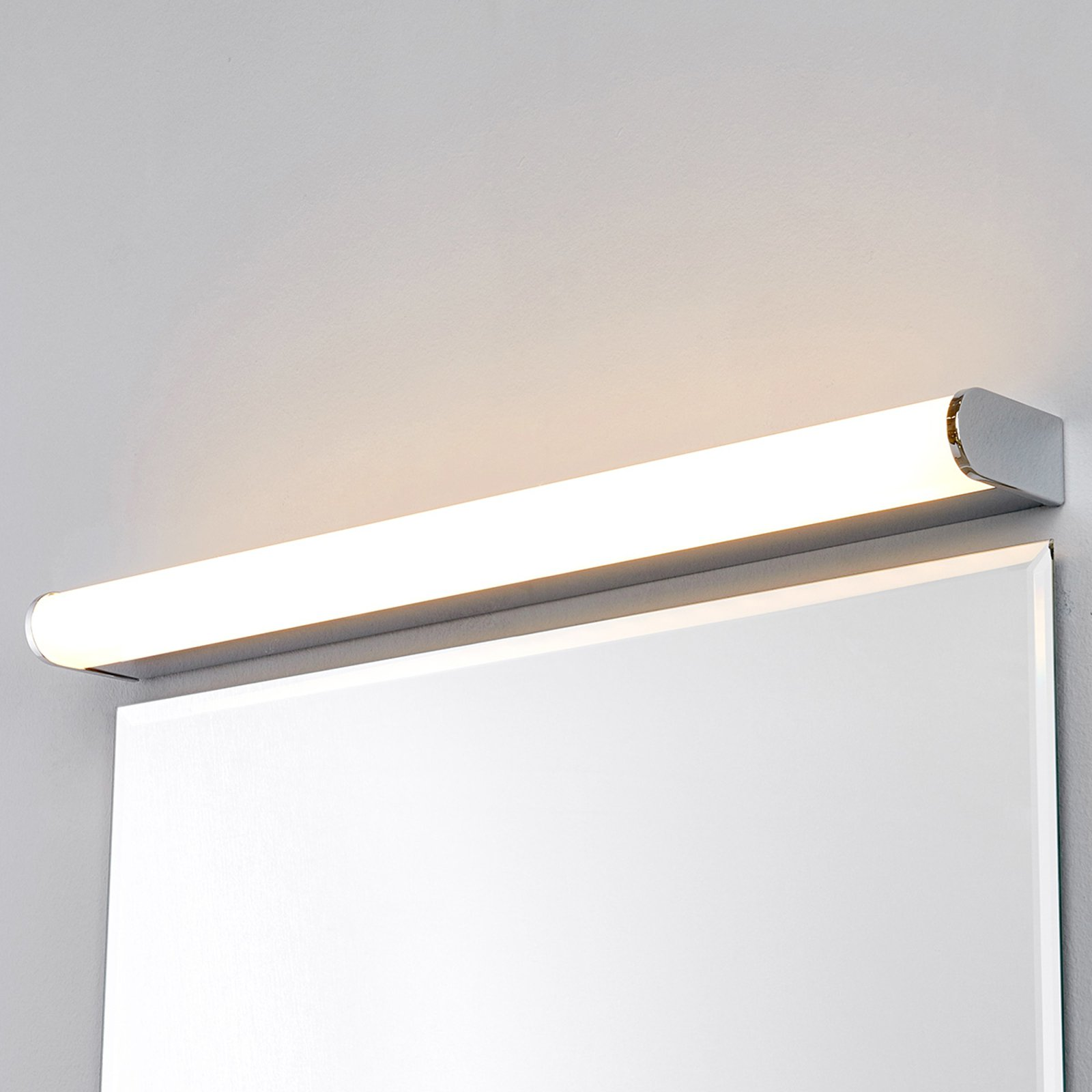 LED-bad- og speillampe Philippa halvrund 58cm