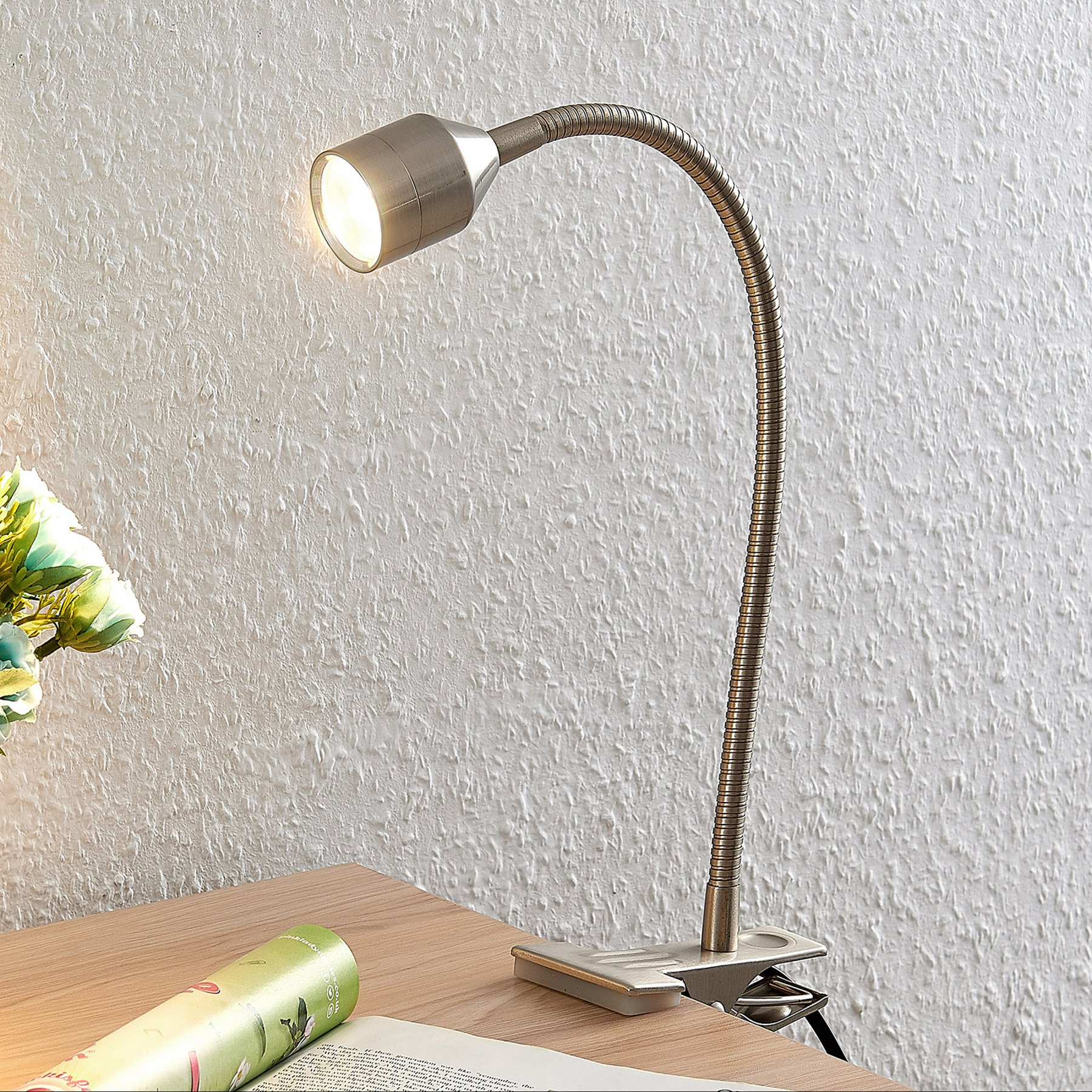 Lindby Djamila LED-klemmelampe, satinert nikkel