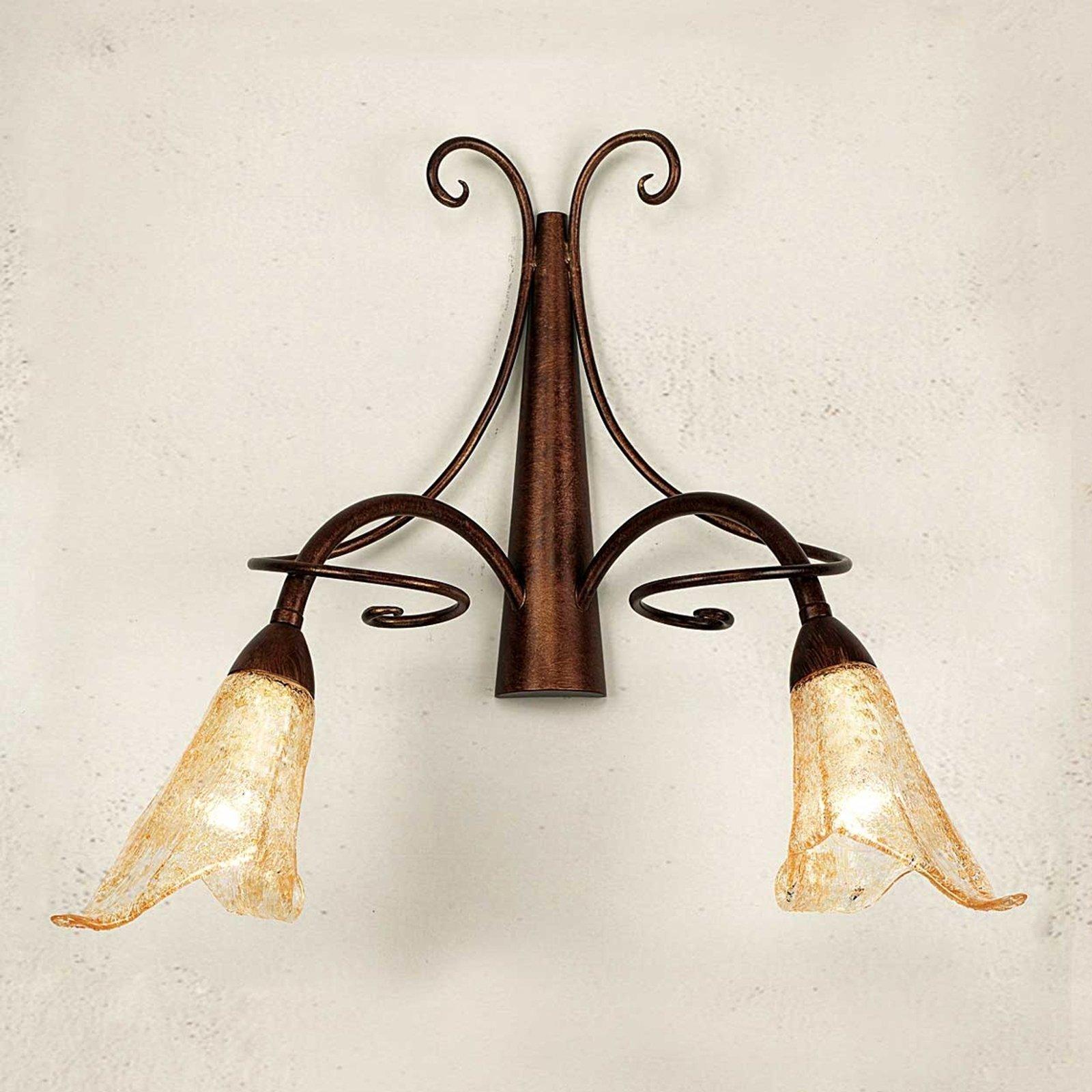 Vegglampe riccardo med blomsterformede glass