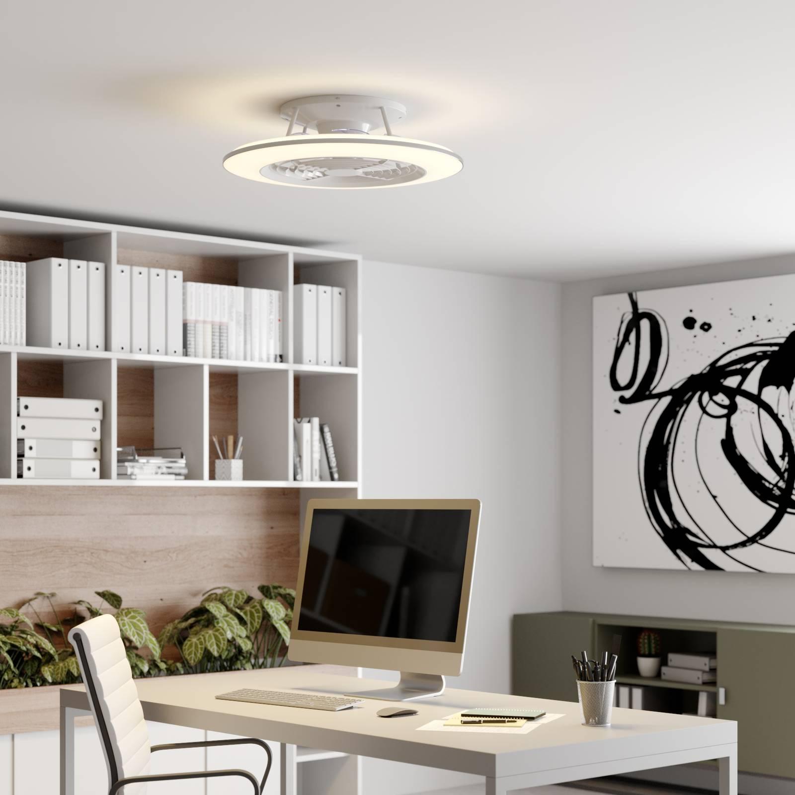 Arcchio Fenio -LED-kattotuuletin valolla valkoinen