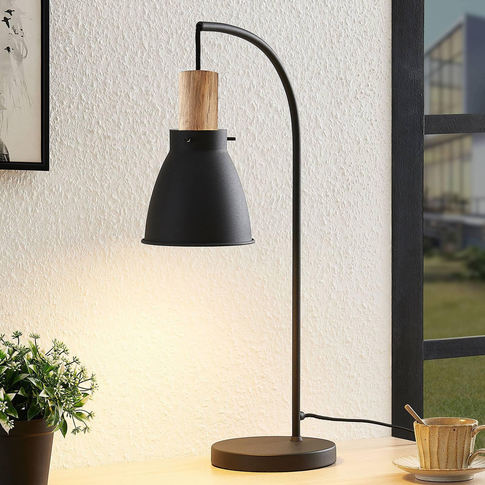 Lindby Trebale bordlampe med tredetalj
