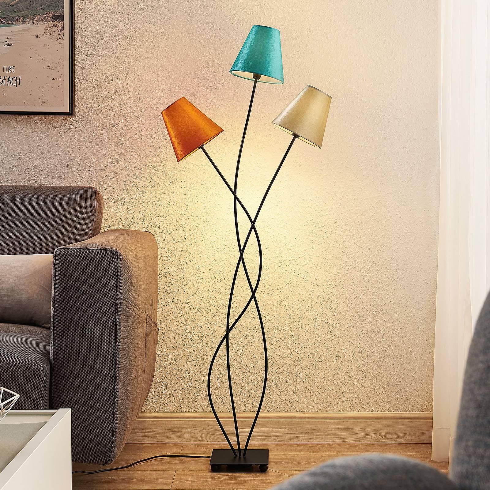 Lindby Komalie -lattiavalo, 3-lamppuinen