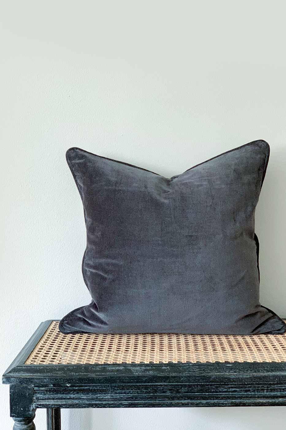 Kuddfodral Joy 50x50 cm mörkgrå
