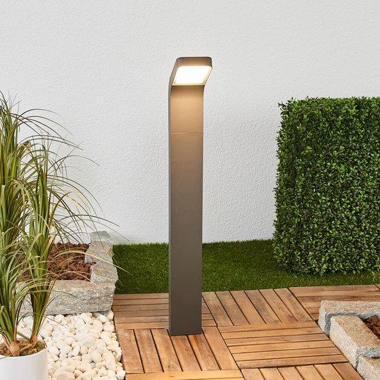 Maddox-LED-pylväsvalaisin, jossa on kalteva pää