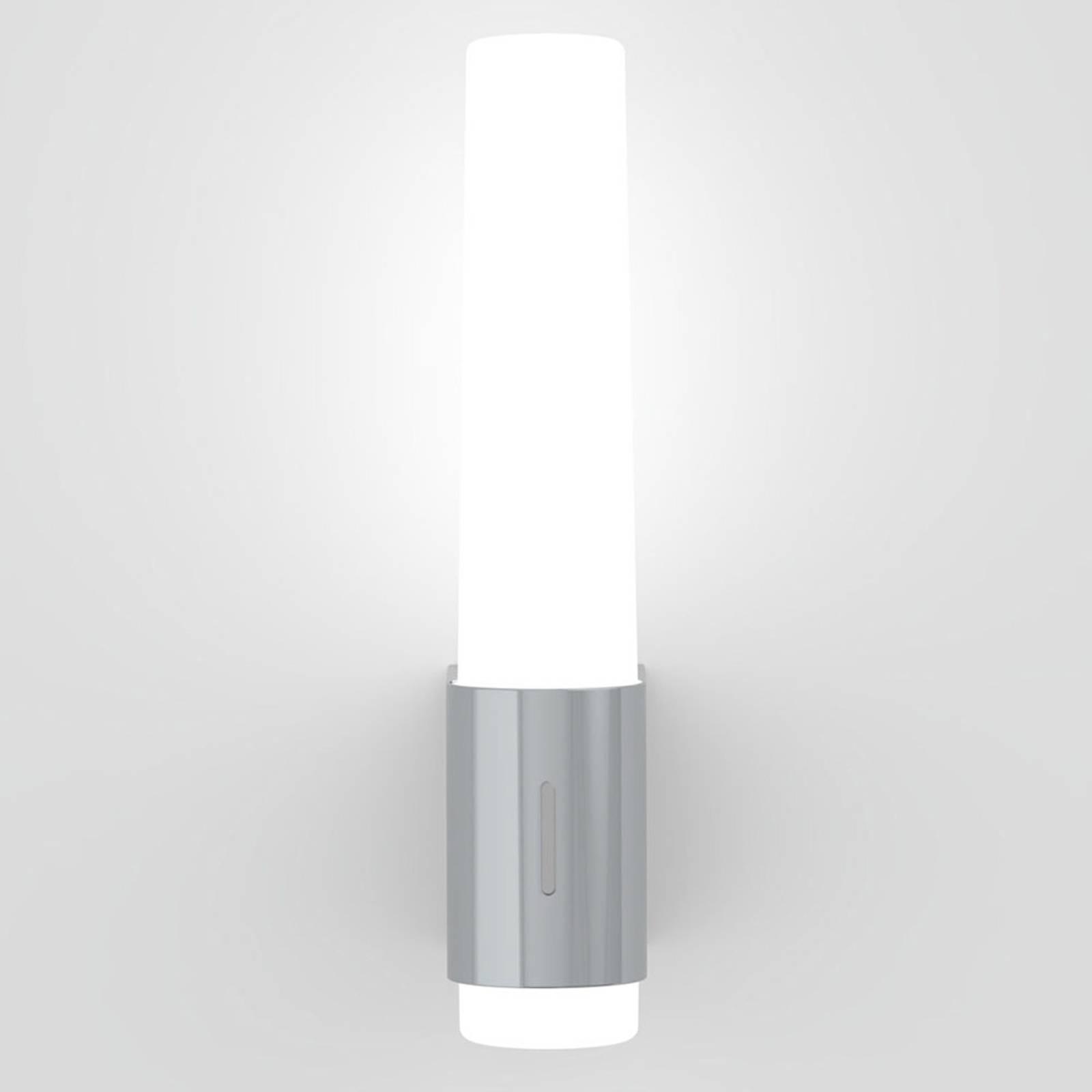 Kylpyhuoneen LED-seinälamppu Helva Night, kromia