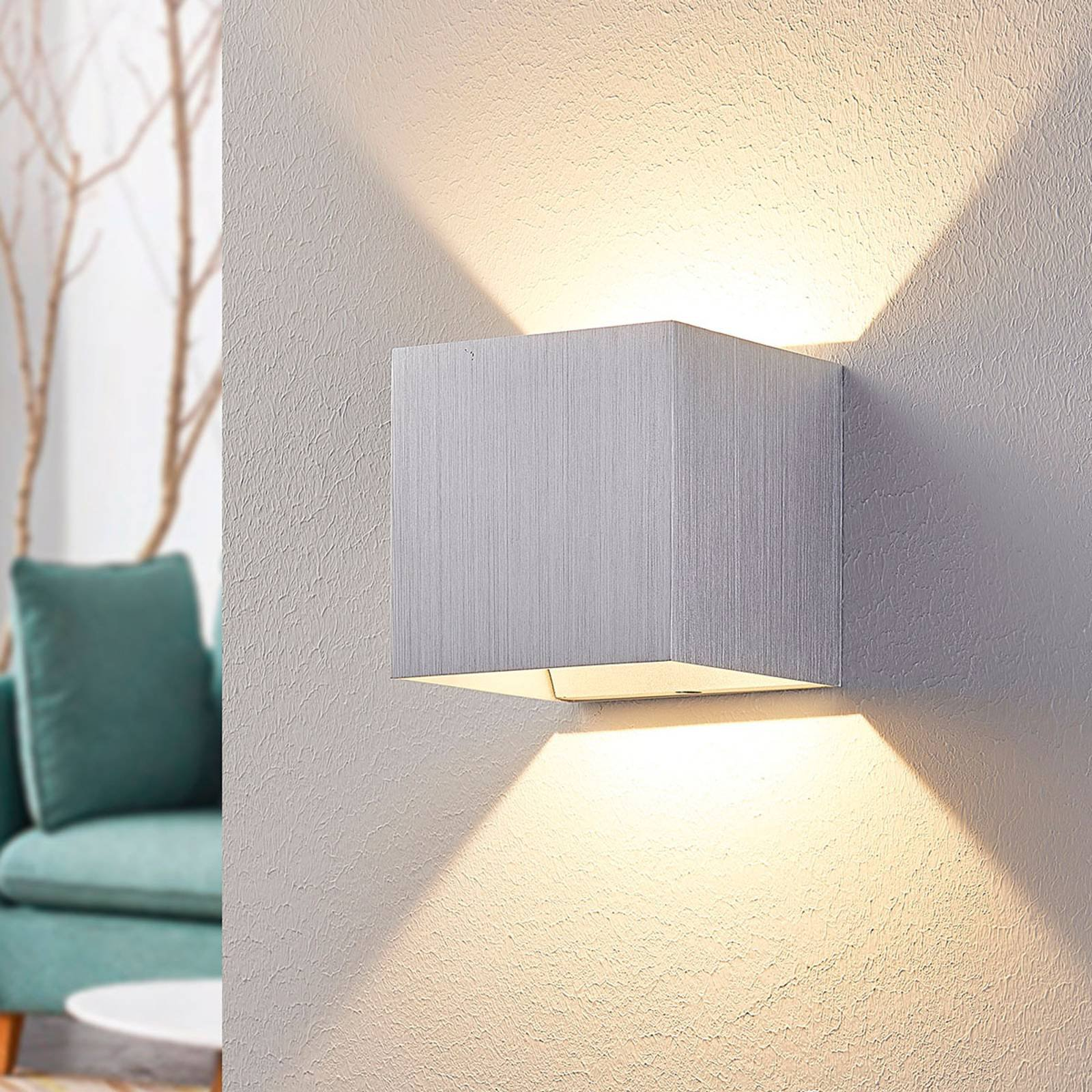 LED-vegglampe Esma i aluminium, firkantet