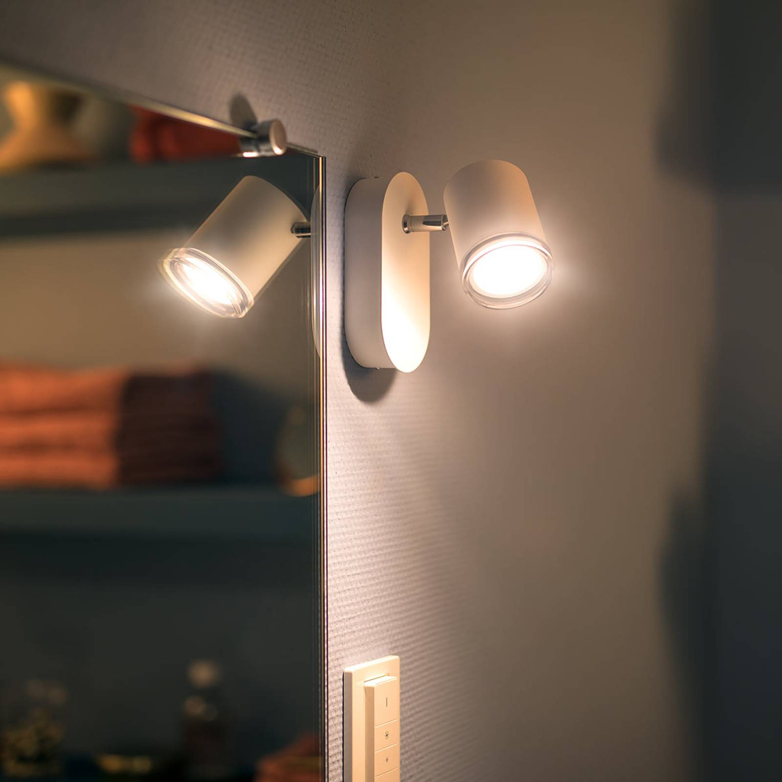 Philips Hue White Ambiance Adore LED-spottivalo