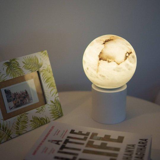 LED-bordlampe Tribeca, USB-port, 24 cm, hvit