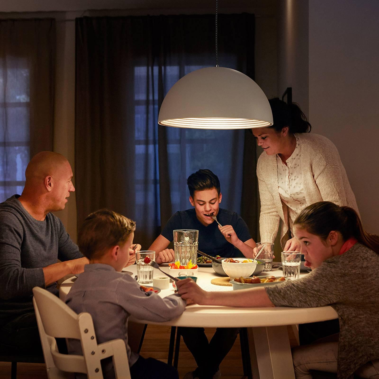 E27 A19 LED-lamppu päivä/yötunnistin 7,5 W 2 700 K