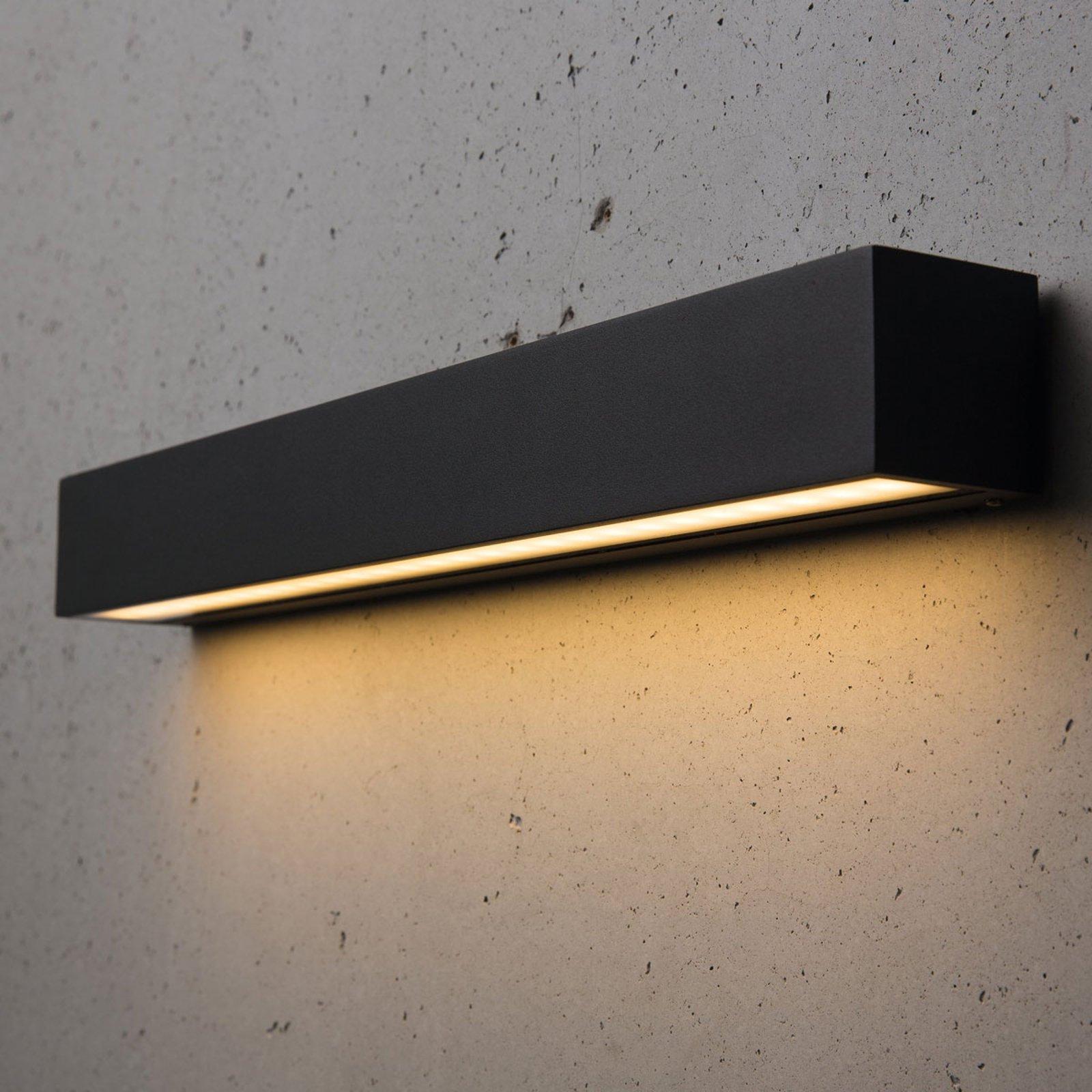 Smal utendørs LED-taklampe Medea 50 cm