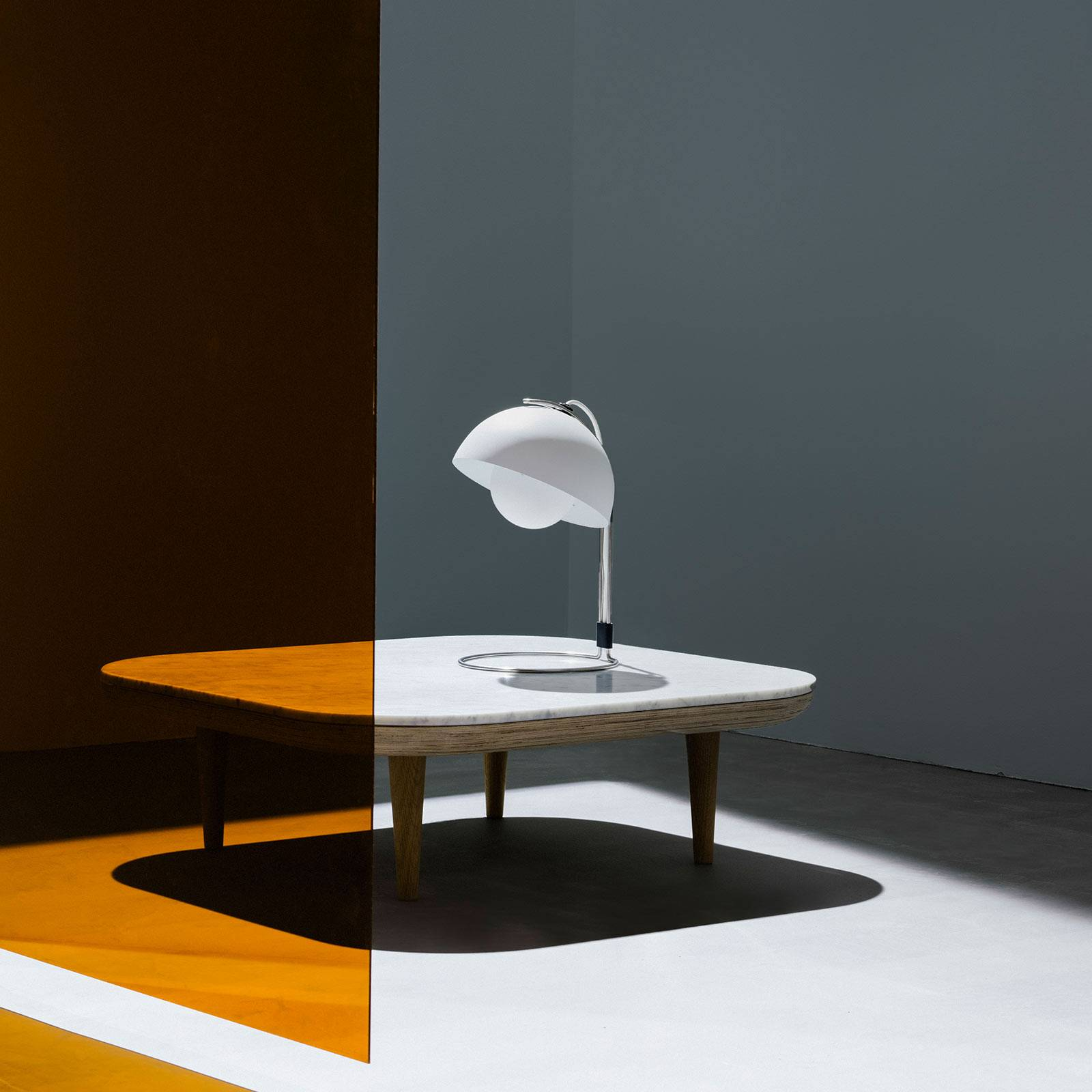 &Tradition Flowerpot VP4 pöytä mattavalkoinen