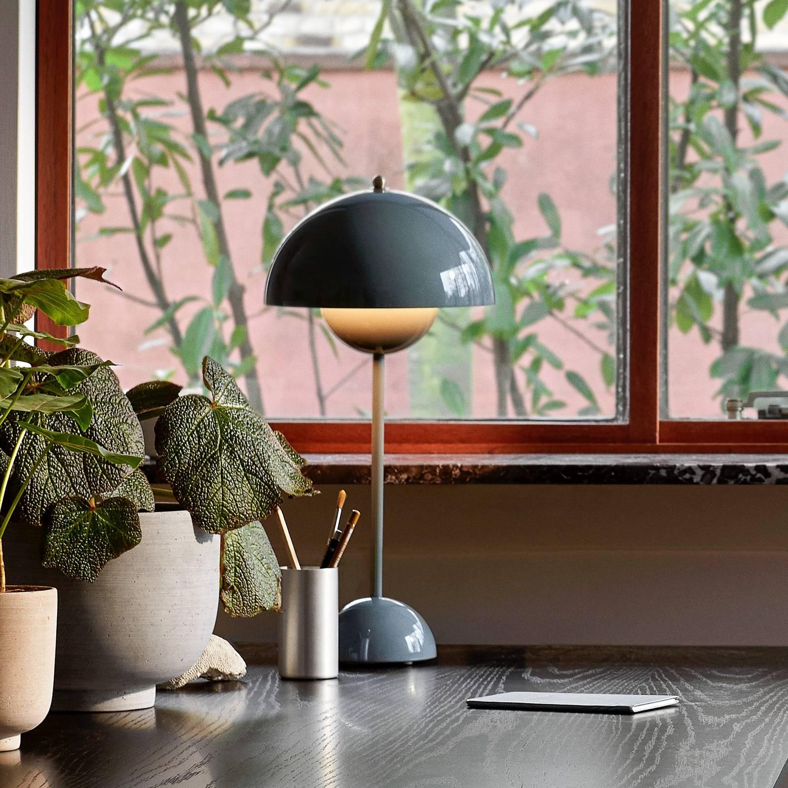 &Tradition Flowerpot VP3 -pöytälamppu, siniharmaa