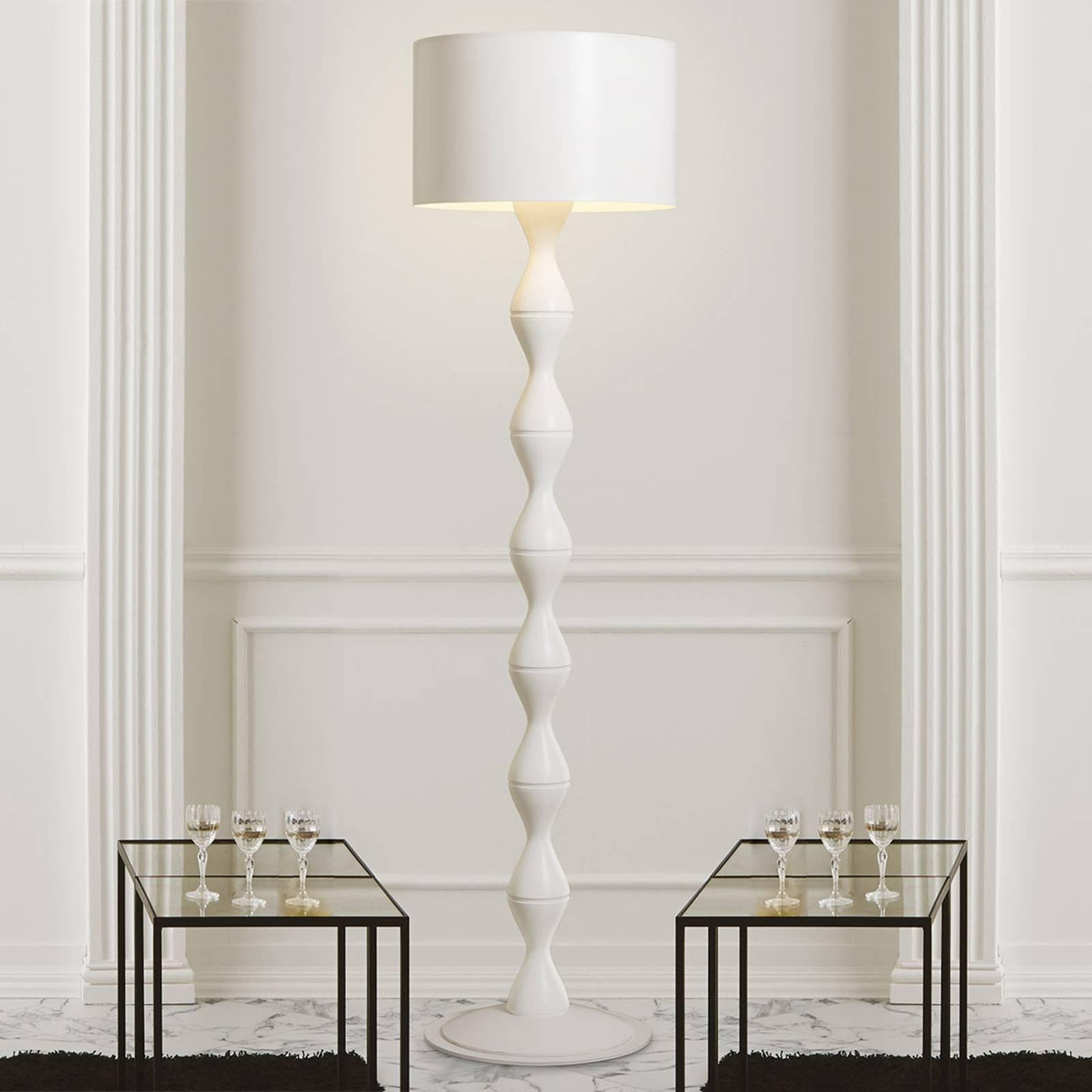 Sara hvit designgulvlampe