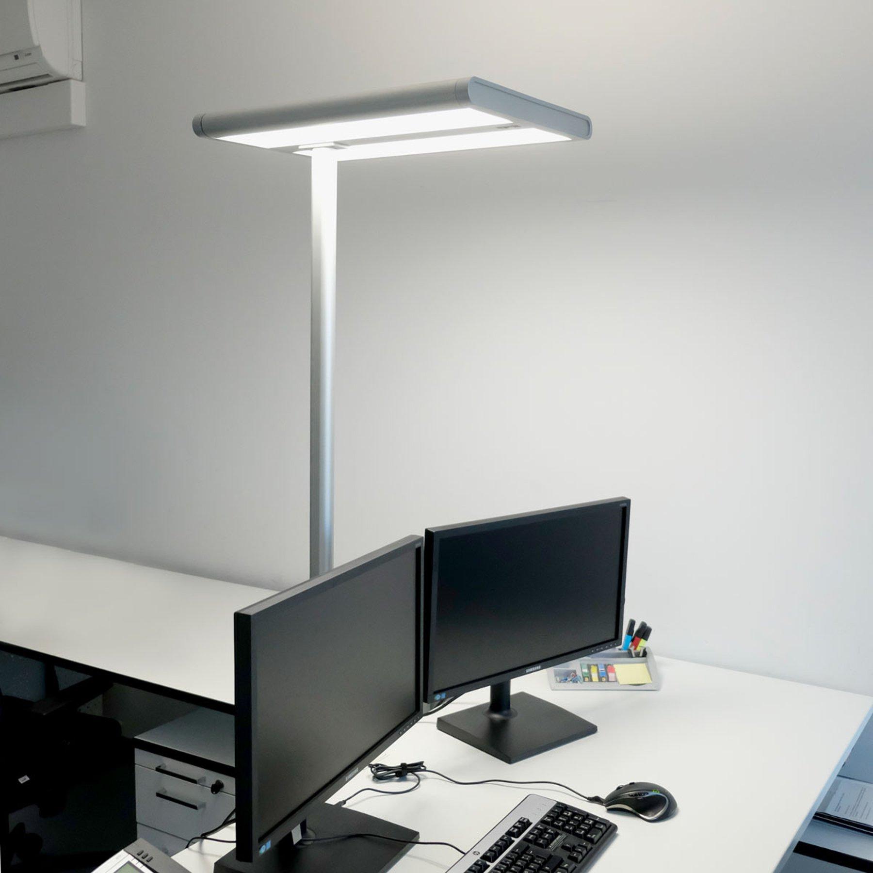 Quirin - LED-gulvlampe til kontoret, med sensor