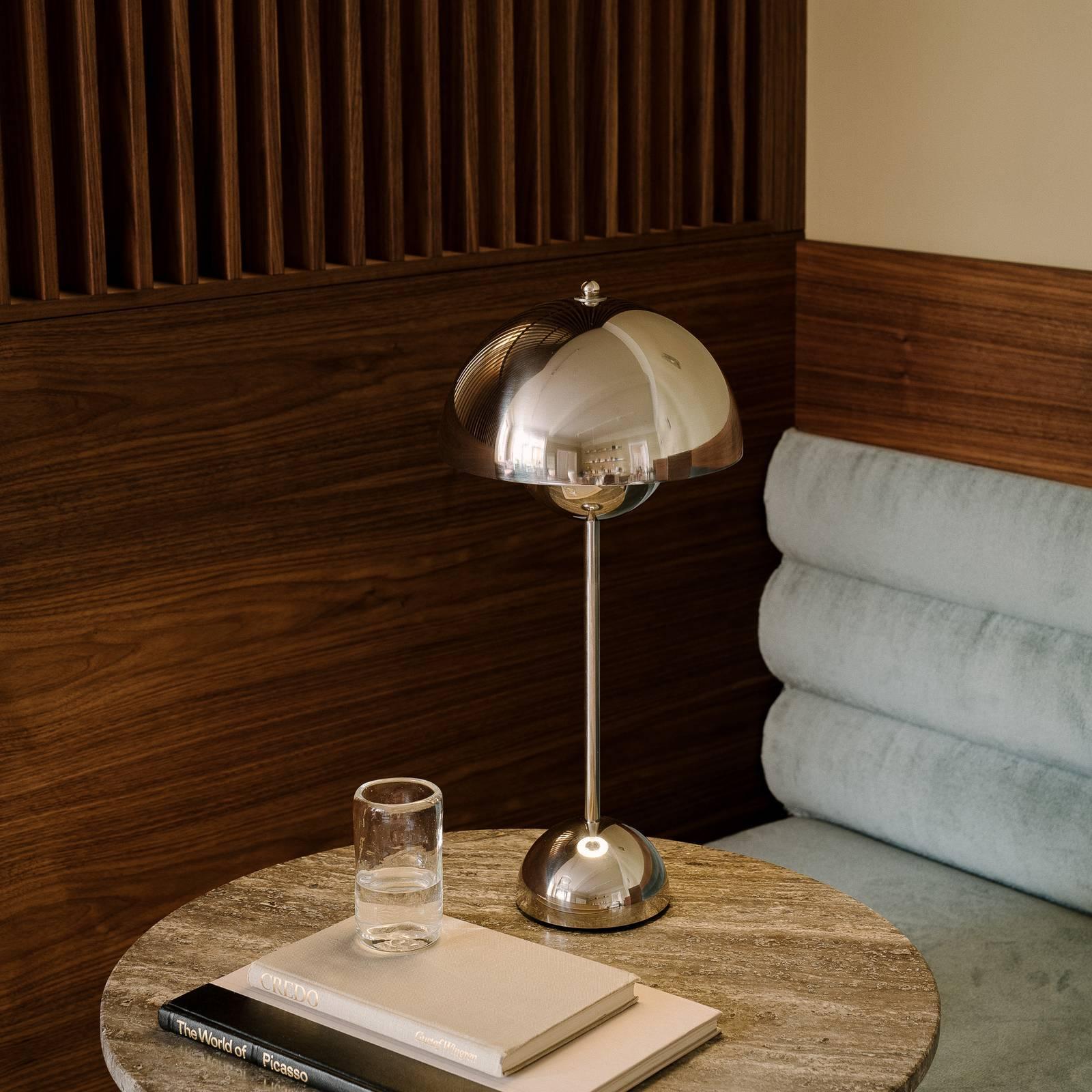 &Tradition Flowerpot VP3 -pöytälamppu, messinki