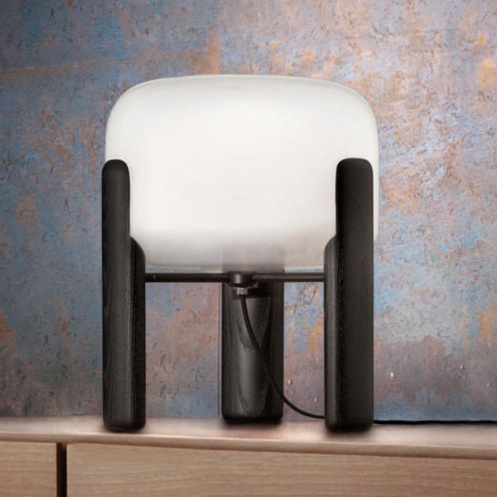 Bordlampe Sata skjerm i hvit, fot i svart