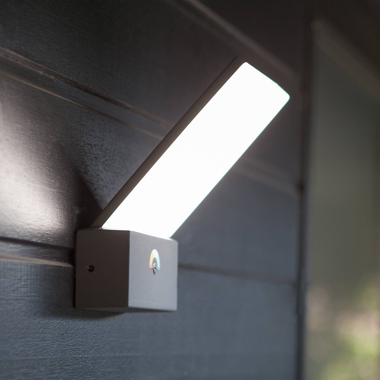 LED-vegglampe Pano, 3 000 K – 5 000 K