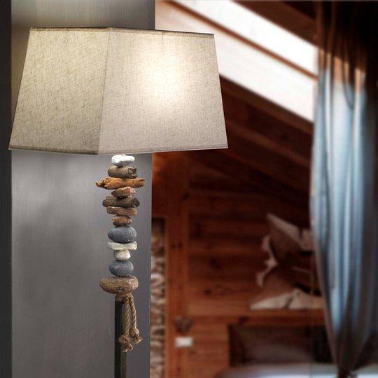 Seregon gulvlampe med steindekor og stoffskjerm