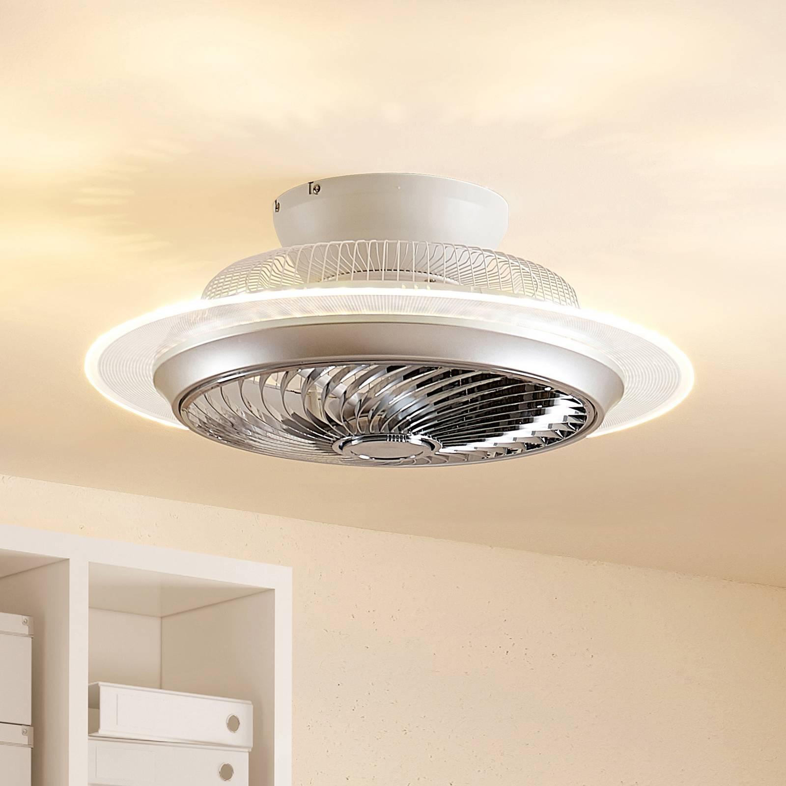 Lindby Yolina -LED-kattotuuletin valolla