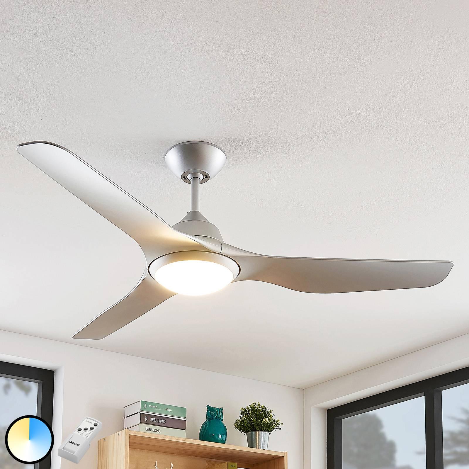 Arcchio Pira -LED-kattotuuletin, hopea 3 siipeä