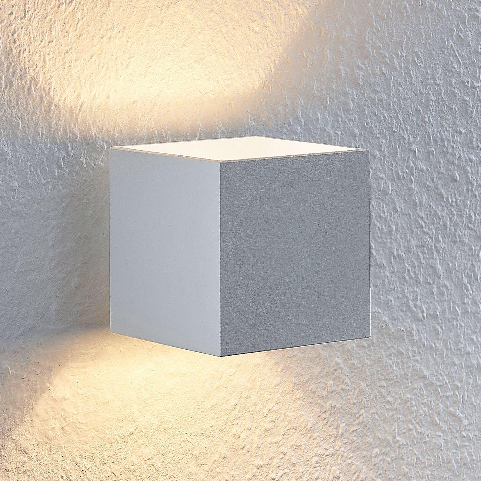 Lindby Mirza aluminium-vegglampe, kantet, hvit