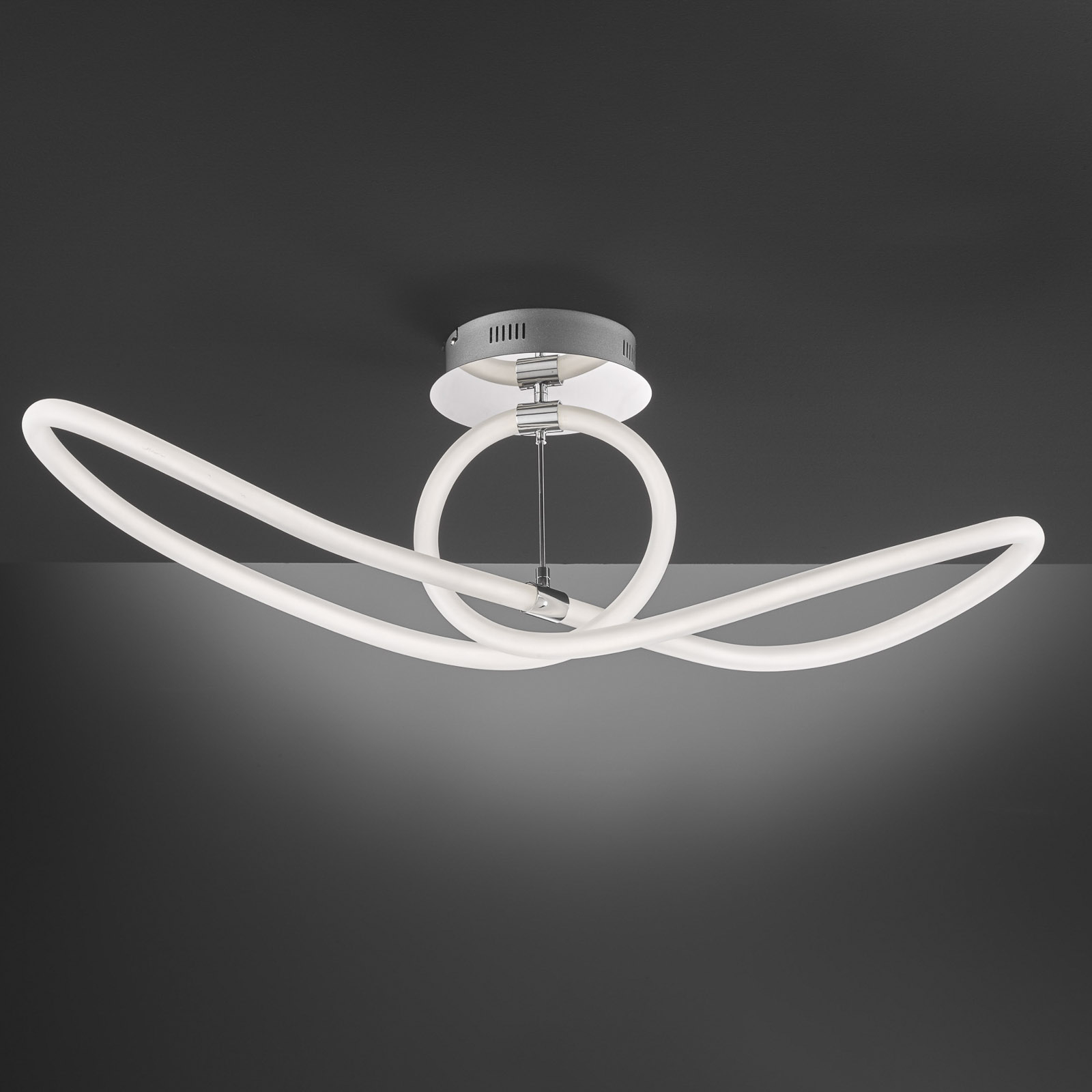 LED-kattovalaisin Mira, kaukosäädin 92,5 x 30,5 cm